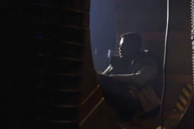 John Boyega divulga nova foto da continuação de Círculo de Fogo