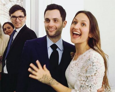 Astro de Gossip Girl se casa em cerimônia coletiva