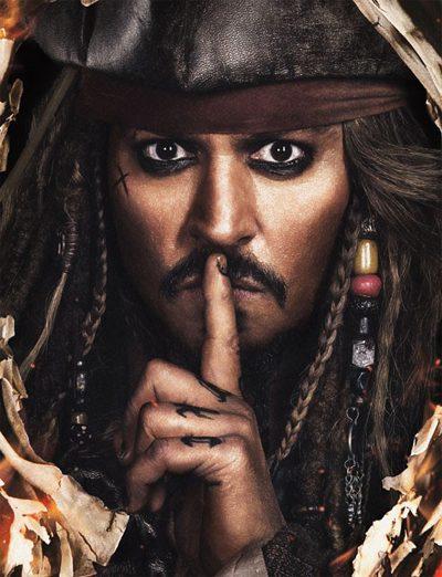 Johnny Depp volta a viver Jack Sparrow em três pôsteres do novo Piratas do Caribe