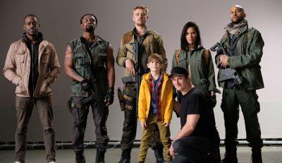 Elenco se reúne na primeira foto do novo filme da franquia Predador