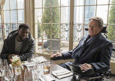 Kevin Hart e Bryan Cranston aparecem na primeira foto do remake de Intocáveis