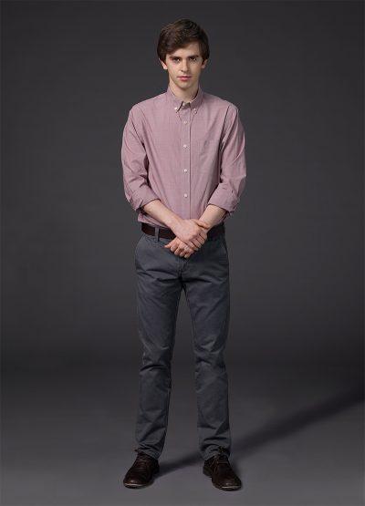 Freddie Highmore será médico autista em piloto de série do criador de House