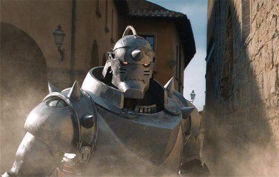 Nova imagem do filme baseado no anime Fullmetal Alchemist destaca a armadura de Alphonse