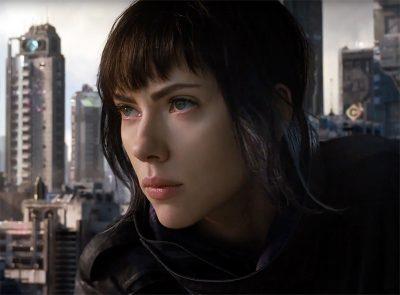 Scarlett Johansson mergulha em efeitos deslumbrantes no novo trailer de Ghost in the Shell