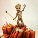 Baby Groot ameaça explodir tudo em novo pôster dos Guardiões da Galáxia Vol. 2