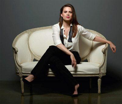 Hayley Atwell vai estrelar minissérie de época do diretor de Manchester à Beira-Mar
