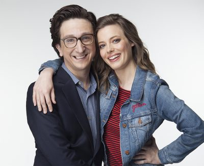 Paul Rust e Gillian Jacobs seguem apaixonados no trailer da  2ª temporada de Love