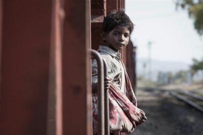 Crítica: Lion evita pieguice para contar história comovente e real, indicada ao Oscar 2017