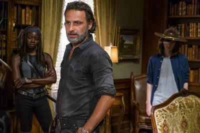Volta de The Walking Dead ganha sinopse, novas fotos e comercial com cenas inéditas