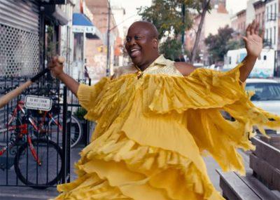Unbreakable Kimmy Schmidt parodia Beyoncé para anunciar estreia da 3ª temporada