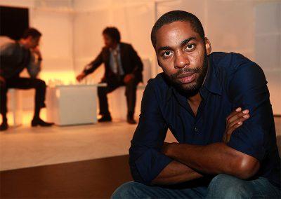 Lázaro Ramos planeja estrear como diretor de cinema em adaptação da peça Namíbia, Não!