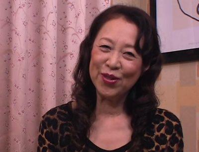 Atriz pornô mais velha do Japão se aposenta aos 80 anos