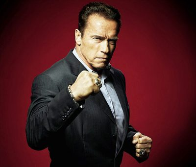 Arnold Schwarzenegger dá lição fantástica de como enfrentar trolls da internet