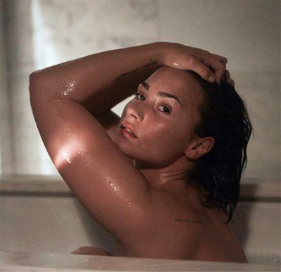 Demi Lovato tem novas fotos íntimas vazadas na internet