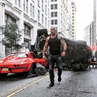 Novo trailer legendado de Velozes e Furiosos 8 é tão exagerado que faz até chover carros