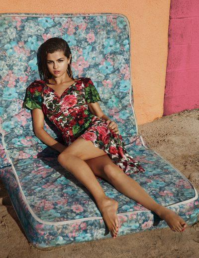 Veja 10 fotos sexy, fashion e lindas de Selena Gomez para a revista Vogue