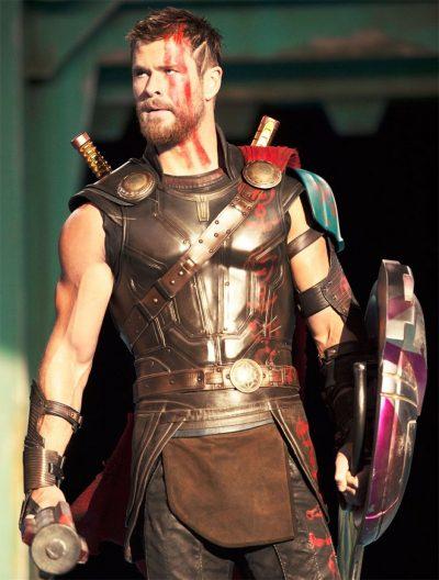 Primeiras fotos de Thor: Ragnarok revelam novo visual do herói e a deusa vivida por Cate Blanchett