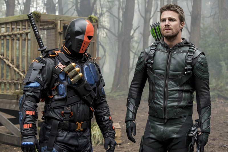 Manu Bennett vai voltar a viver o Exterminador na 6ª temporada de Arrow