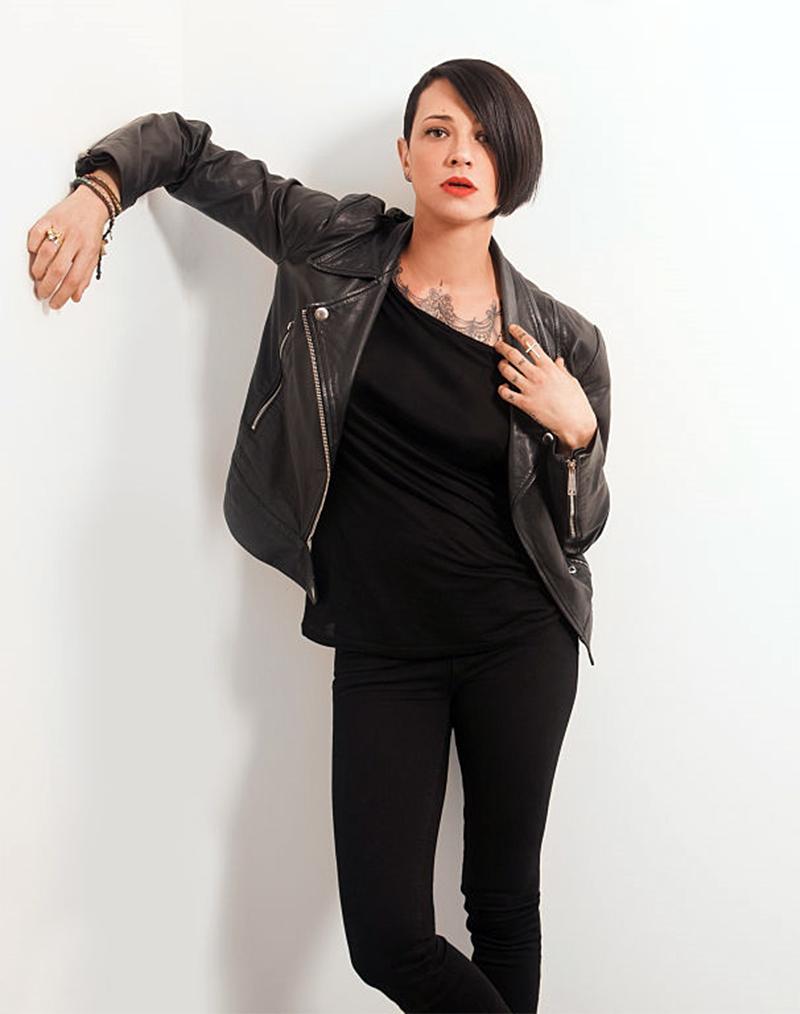 "Asia Argento é chamada de ""prostituta"" pela imprensa italiana após denunciar estupro de Harvey Weinstein"
