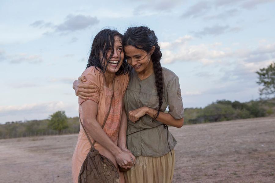 Crítica: Entre Irmãs beira o novelão, mas atrizes valorizam o melodrama