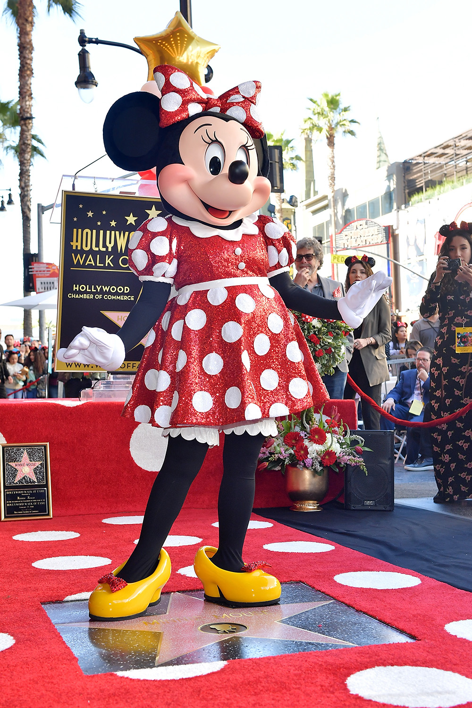 Minnie Mouse comemora 90 anos com estrela na Calçada da Fama de Hollywood
