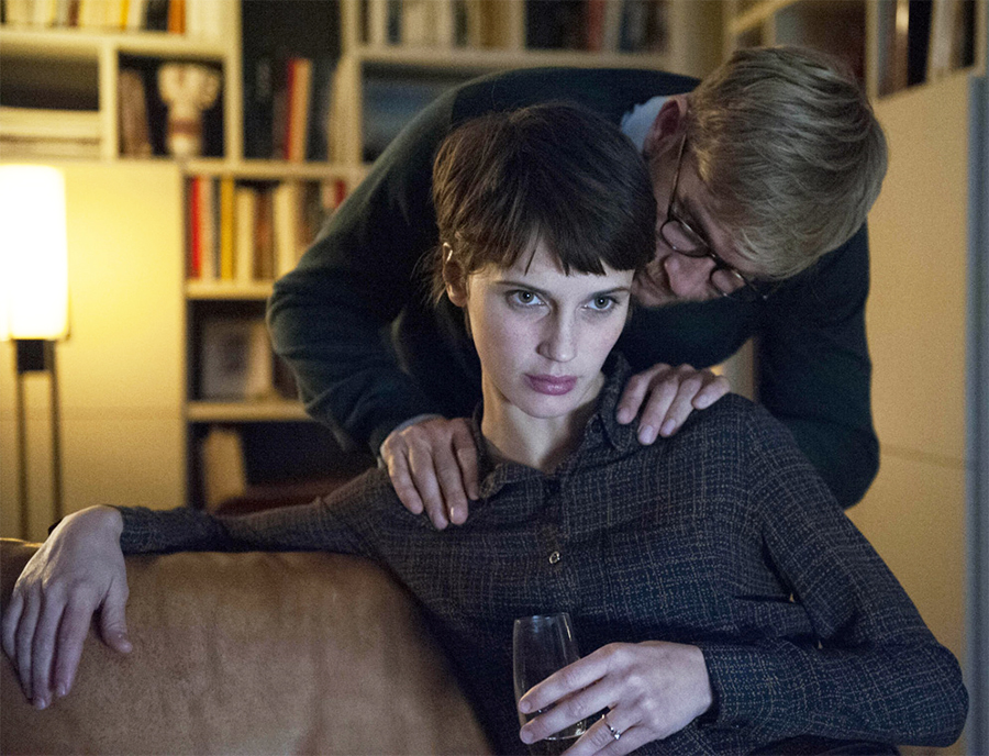 O Amante Duplo: Suspense erótico de François Ozon ganha trailer americano