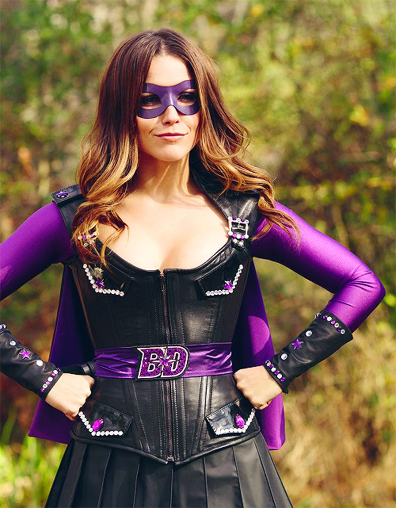 Sophia Bush vai dublar uma nova super-heroína em Os Incríveis 2