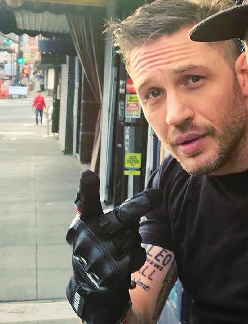 tom hardy tem tatuagem com o nome de leonardo dicaprio por