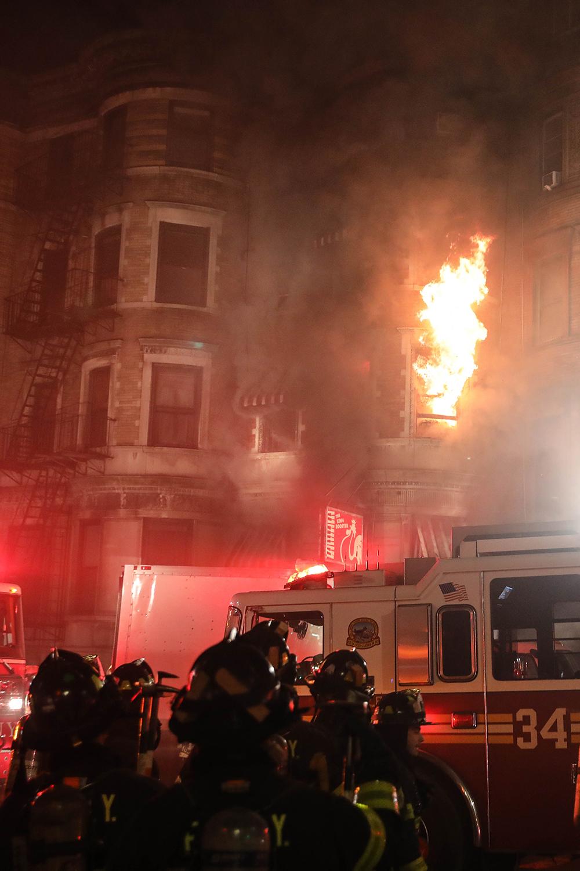 Incêndio em set de filme de Edward Norton resulta na morte de um bombeiro