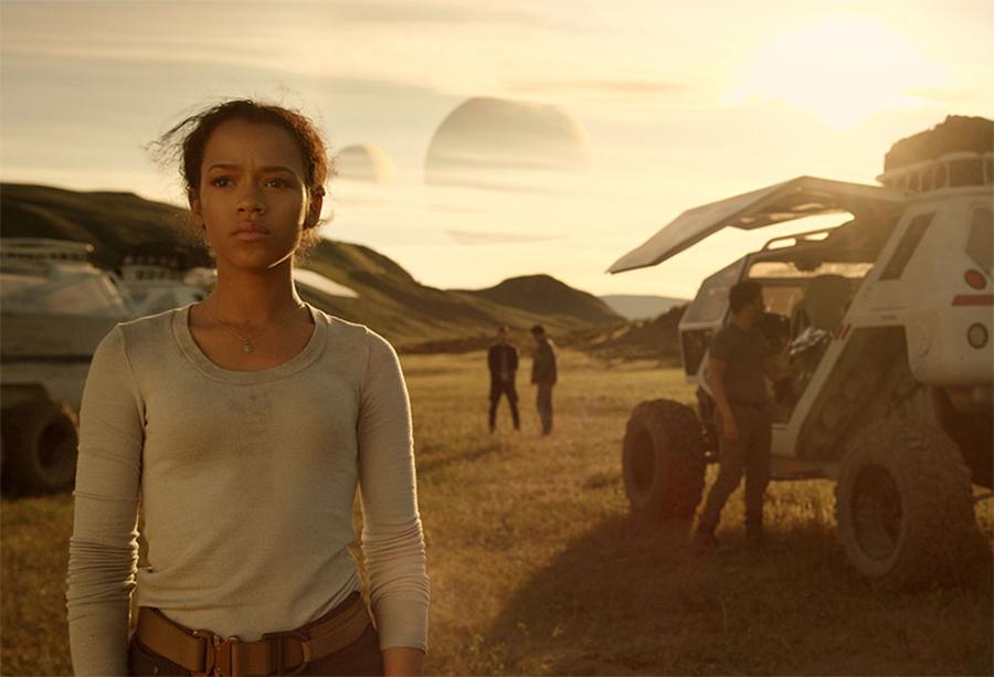 Novo vídeo de bastidores de Perdidos no Espaço aborda releitura feminista da série clássica