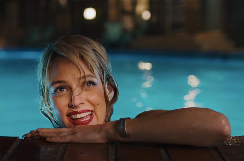 """Andrew Garfield se apaixona por """"mulher-fantasma"""" em trailer de terror do diretor de Corrente do Mal"""