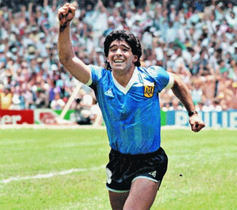 Advogado de Maradona ameaça Netflix por filme sobre o jogador