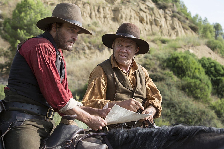 Joaquin Phoenix e John C. Reilly são irmãos pistoleiros em trailers de comédia