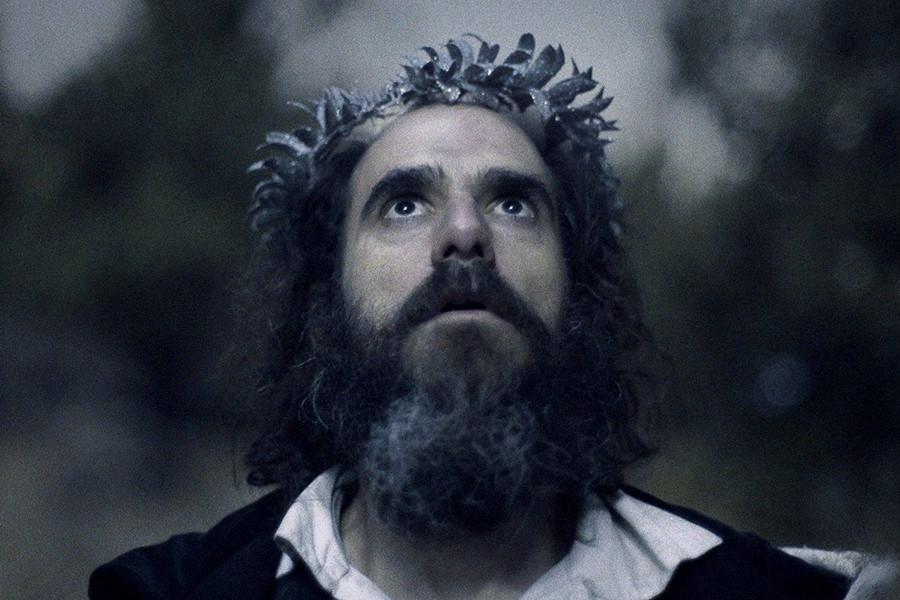 Crítica: Rei transforma narrativa de épico histórico em cinema experimental