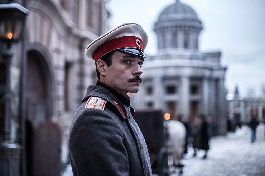 """Crítica: História de Anna Karenina ganha """"continuação"""" russa em clima de guerra"""
