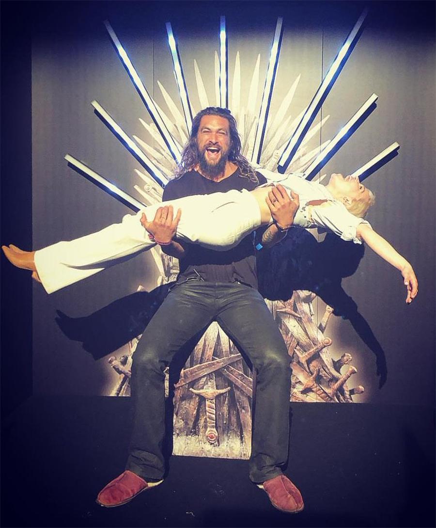Jason Momoa reencontra o elenco de Game of Thrones em festa de despedida da série