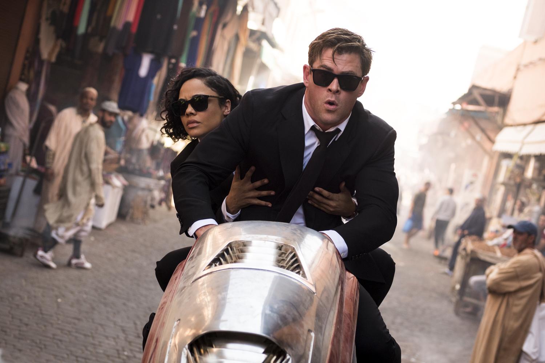 Chris Hemsworth e Tessa Thompson são os novos Homens de Preto em 10 fotos oficiais