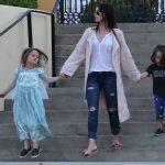 Megan Fox diz que filho de seis anos sofre bullying por gostar de usar vestidos