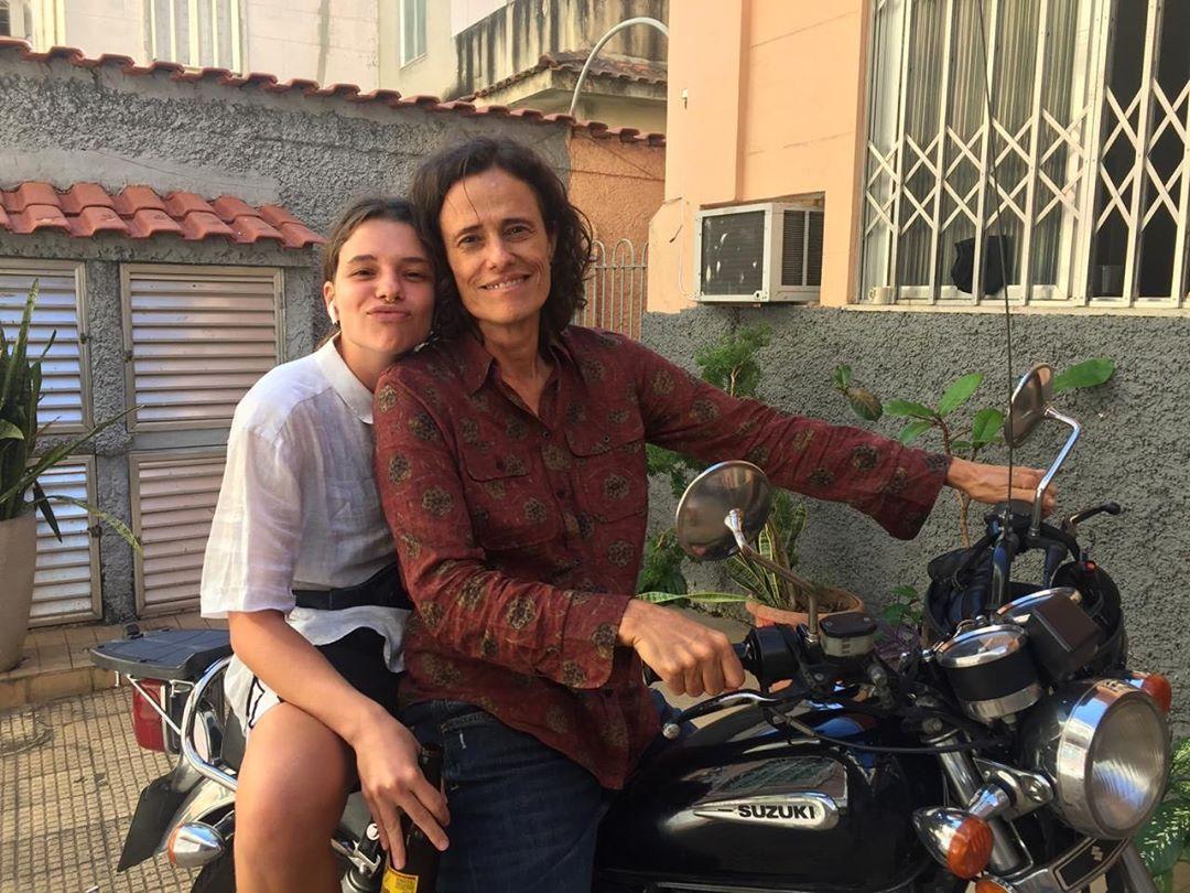 Bruna Linzmeyer vai estrelar curta LGBTQ+ com a cantora Zélia Duncan | Pipoca Moderna
