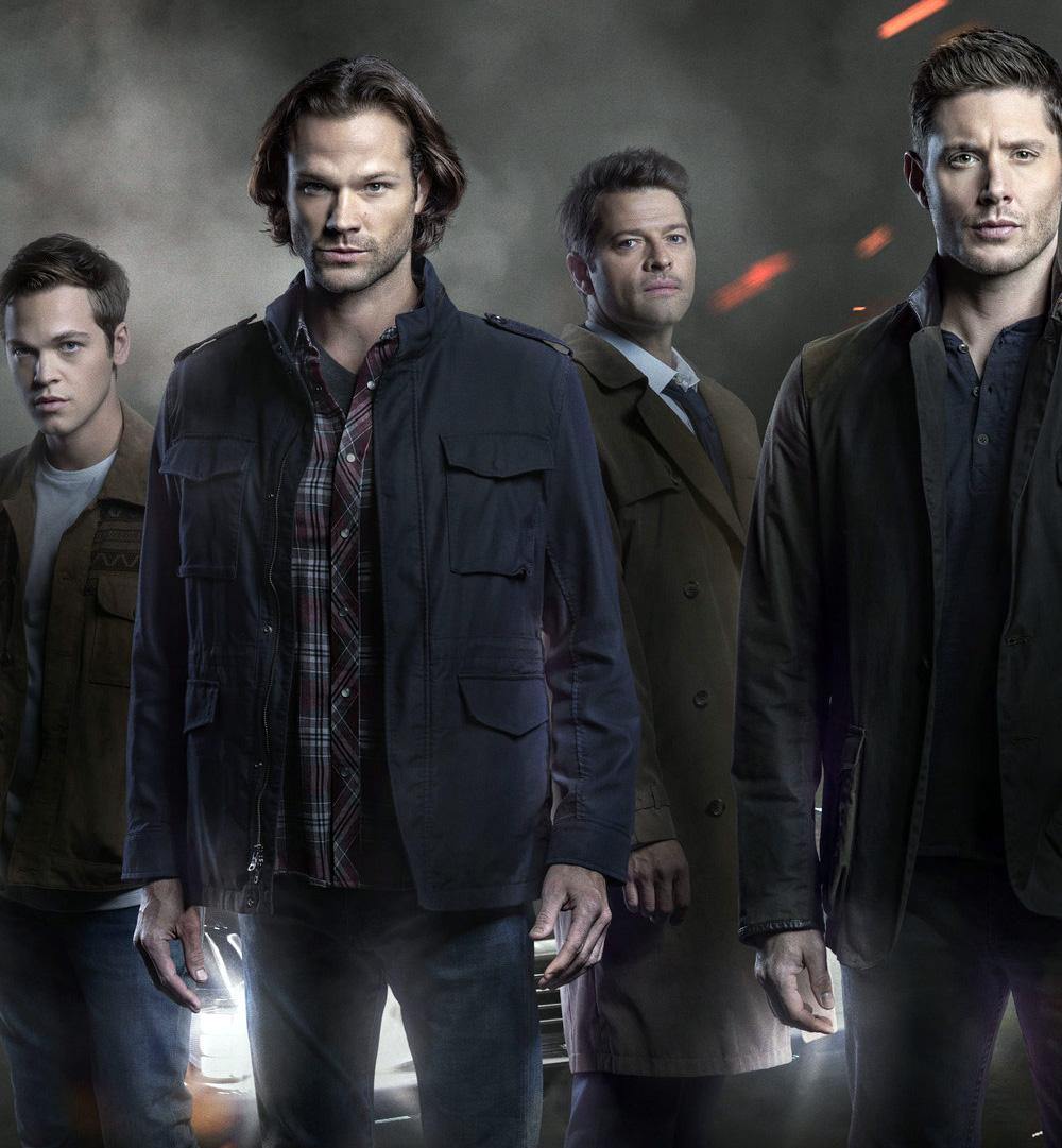 Capítulos finais de Supernatural ganham novo pôster com os protagonistas