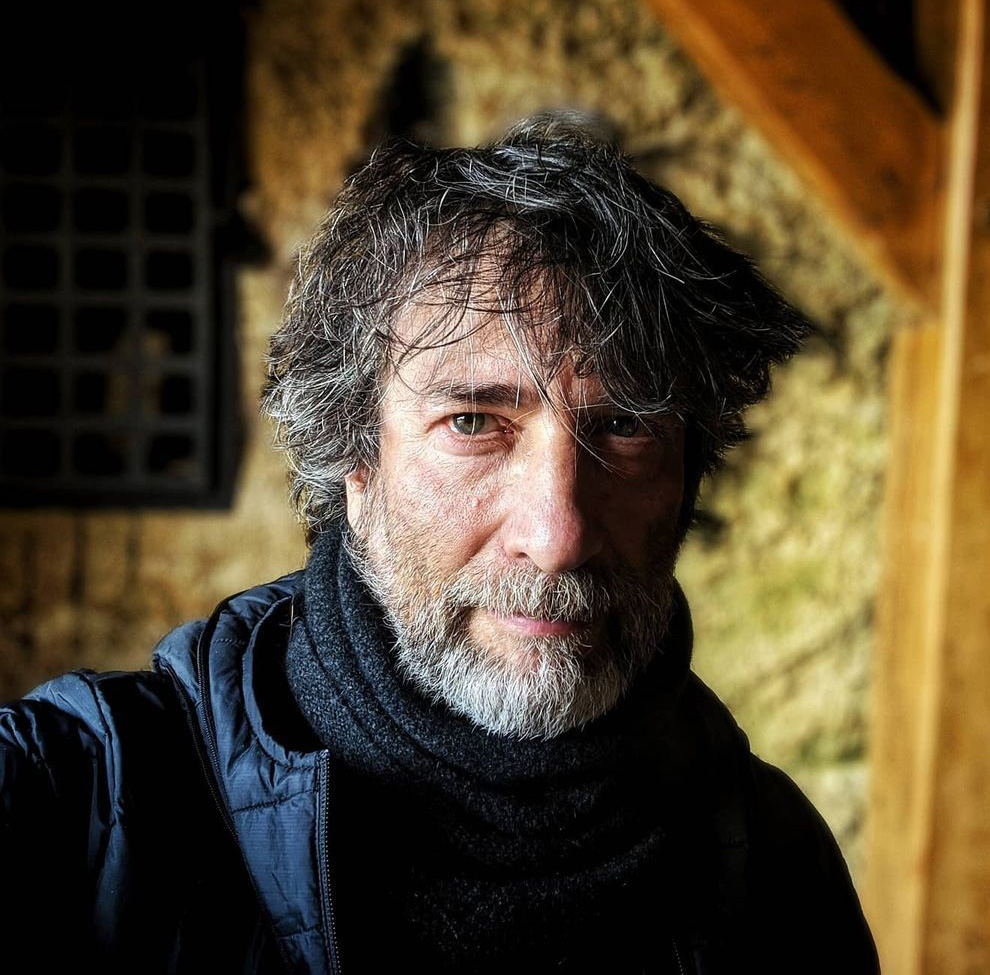 Neil Gaiman abre a CCXP virtual com novidades sobre Sandman na Netflix
